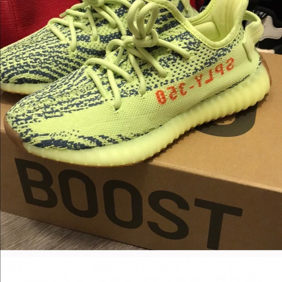 huge selection of 660a8 af78c Frozen yeezys size 5 in youth ..
